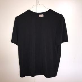 Vero Moda t-shirt i et meget behageligt materiale Kan også passes af en xs