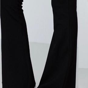 Stort set ubrugte petra bukser fra gina trickot   -Tjek også gerne mine andre annoncer ud:)