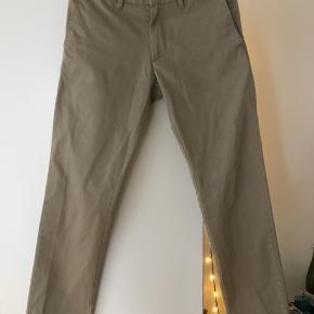 Bukserne er str 30/32 og fejler intet:)