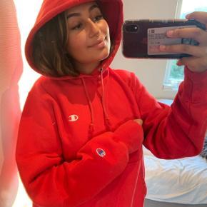 Sælger denne champion hoodie unisex, bare BYD   Køber betaler fragt
