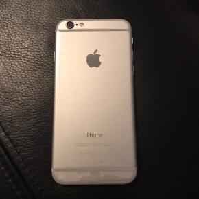 iPhone 6 64Gb. Silver / hvid. Ingen skrammer og fejlfri. Oplader følger ikke med. Skal hentes i Sønderris ved Esbjerg V