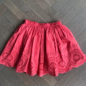 Sød sommer nederdel i 100% bomuld. Brugt få gange, perfekt stand.  Se også mine andre annoncer.
