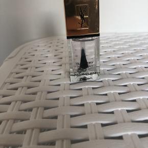 Yves Saint Laurent negle & manicure