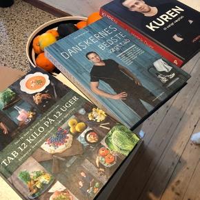 Sælger disse 3 bøger fra Henrik duer.   Samlet 200.- plus Porto  Eller 75.- pr stk.