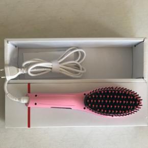 Glattebørste brugt meget få gange, fungere godt og nem at bruge, og temperaturen kan ændres efter behov   Mp 65kr ☀️