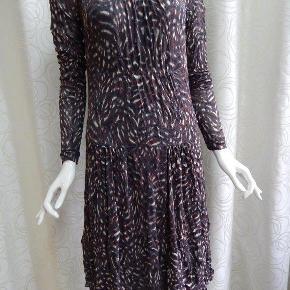Sandwich kjole 40, bordeaux/grå/off white, m/underkjole, poly/stretch, brugt 1-2 gange, næsten som ny Bryst 90 cm, lgd 105 cm