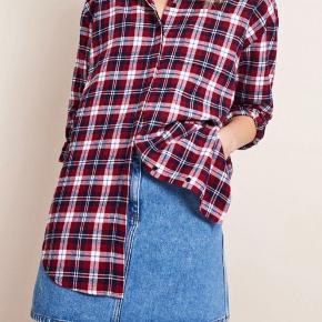 Envii enbelfast ls shirt rød/blå/hvid ternet skjorte. Næsten ikke brugt. Løs i modellen. Bytter ikke.
