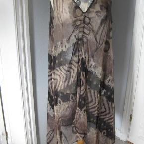 Zay transparent kjole str S Bm 2x58 cm A facon - asymetriske længder ca 96 cm - polyester ingen stræk - 100 kr plus porto (m5489)