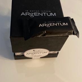 ARgENTUM Dag- og natcreme, 70 ml og ARgENTUM Facial Cleanser (sample size) sælges. Nyt og forseglet  Prisen er fast og sælger ikke hvis denne ikke opnåes.
