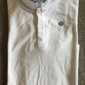 Poloshirt velholdt. Str. 12 år (152 cm.)