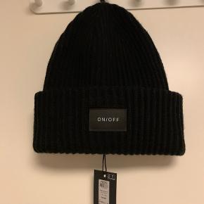PIECES hat & hue