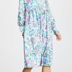 Super smuk Baum und Pferdgarten Agacia kjole med lyseblå underkjole. Aldrig brugt, ny med prismærke. Nypris 1799kr. Bytter ikke 😊