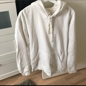 Kun vasket aldrig brugt  Prisen er fast og inkluderet fragt Fra røgfri og dyrefri  Der er hætte på :) Nypris 250kr