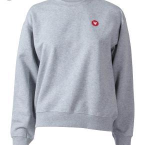 Wood wood sweatshirt Har aldrig været brugt. Np:900 Kan passes af en str. xs-s Inkl. fragt Realistiske bud