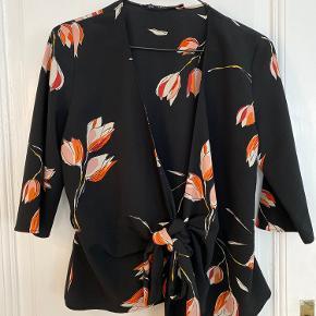 Trøje med bindebånd fra Zara str. M