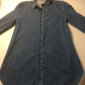 Rigtig fed cowboy kjole fra digdenim str 140 (9-10 år) fejler absolut intet! ny pris 700kr  sælges for 130kr...