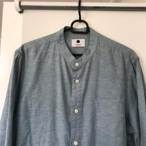 Super lækker NN07 skjorte i str. Large. Slim. Brugt 2 gange og derfor nærmest som ny. Køb billigt: 200 kr.
