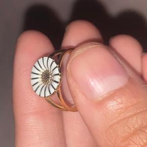 Georg Jensen-lille marguerit ring  Str 49 Fejler intet brugt meget lidt     Størrelse 49