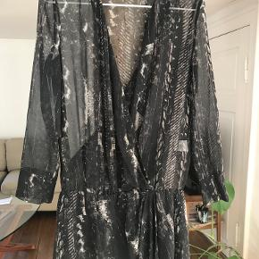 IRO kjole eller nederdel