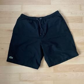 Lacoste shorts  Nypris 500kr Størrelse M