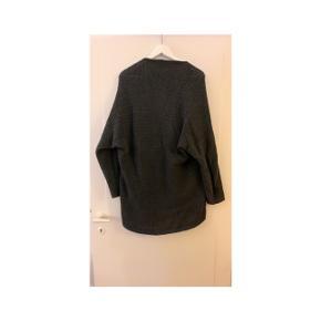 Fin trøje fra pieces str M passer op til lille L
