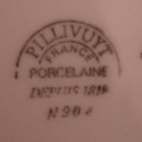 Pillivuyt - Bistro i hvid med gul kant, kaffekopper (dia. 7,5 cm) med underkop. Prisen er pr. stk og vi har 7 sæt til salg
