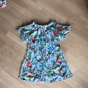 Den skønneste kjole i lækker kvalitet og super sødt print