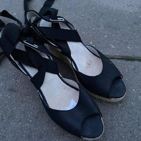 Noa Noa heels