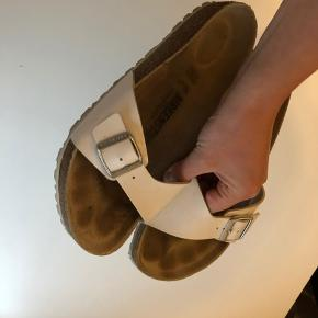Birkenstock Madrid sandaler i hvidt læder  Se også mine andre annoncer 😊