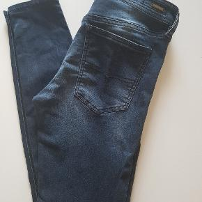 Flot jeans fra Diesel 27/30 - slim model, sidder godt