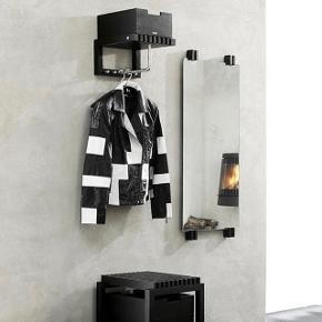 Trip Trap / Skagerak Cutter spejl Farve: sort Mål: B50cm x H110cm x D5,7cm  Spejlet har aldrig være brugt, og fremstår som nyt  Nypris: 3195kr. Sælges for: 2500kr.  Skal afhentes i Holstebro