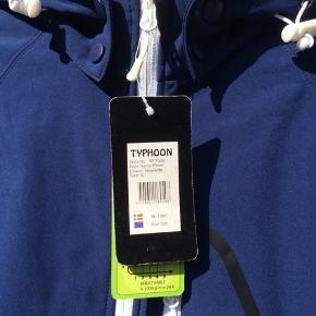 Typhoon Soft Shell Nypris 1000,-