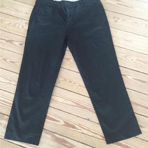 Varetype: knickers 3/4 bukser Farve: Sort Oprindelig købspris: 600 kr.  Skønne stumpebukser med super pasform. 98%cotton/2% stræk.  Brugt få gange.