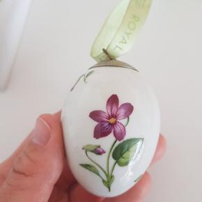 Royal Copenhagen æg. Viol fra 2007.  Udgået