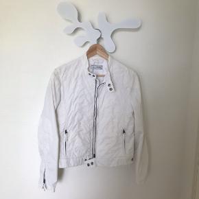 Bata jakke