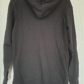 Astralis hættetrøje / hoodie fra Jack & Jones. 100% bomuld. Str. M. Brugt 1 gang.   Køber betaler fragt med Dao eller kan evt afhentes på Østerbro. Se også mine andre annoncer 🙂.