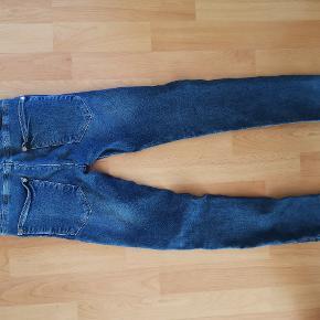 Jeans. Skinny. Med stretch.