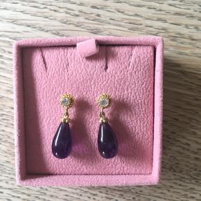 Smukke øreringe - matchende ring er også til salg (se billeder)
