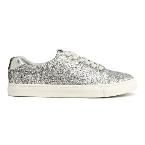 Fine sneakers med glimmer og snørrebånd.