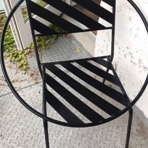 Søstrene Grene terrassestol i fin stand. Man sidder rigtig godt i den med en hynde.