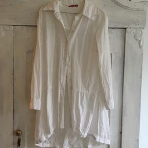 Fin hvid skjorte-kjole ☺️