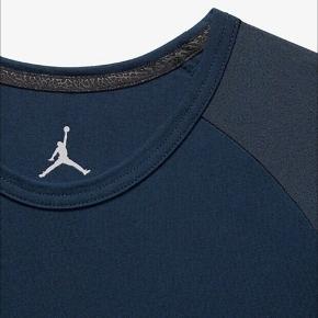 3/4 Sleeve Top Jordan 23 True Elephant Print Raglan. Helt nye og ubrugt med tags.