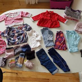 Pigetøj i str 68 Det skal bare væk, sælges billigt. Byd