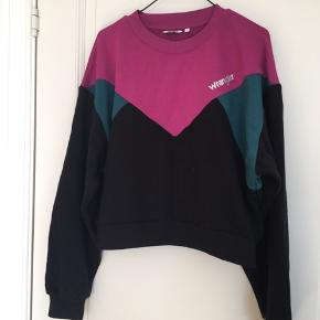 Cropped sweatshirt, used once