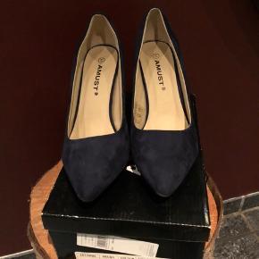 Amust heels