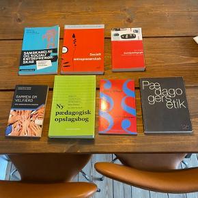 Studiebøger til pædagoguddannelsen. Alle uden overstregninger. Kom med et bud 😊