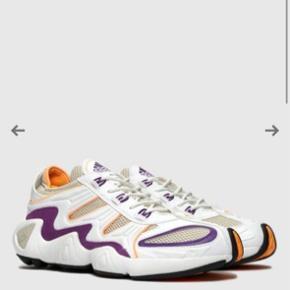 Sælger disse Adidas FYW S-97 sneakers - aldrig brugt, prismærket sidder stadig på