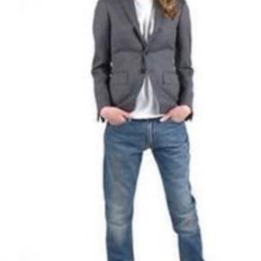 Str 26/32 model huq cast boyfriend jeans