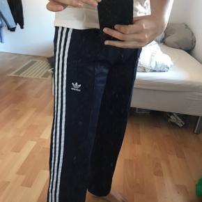 Adidas wideleg trousers med stripes / striber  Mørkeblå Xs