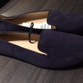 H&M sko flats mørkeblå ruskind str 39 Helt nye, aldrig brugt